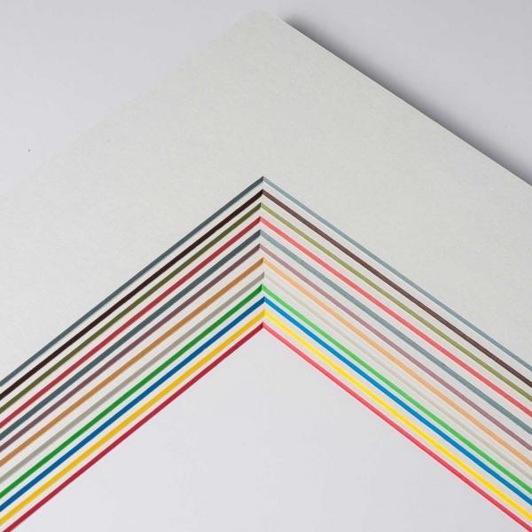 1,7 mm ColorCore Passepartout mit individuellem Ausschnitt 13x18 cm | Weiß / Kern: Blau